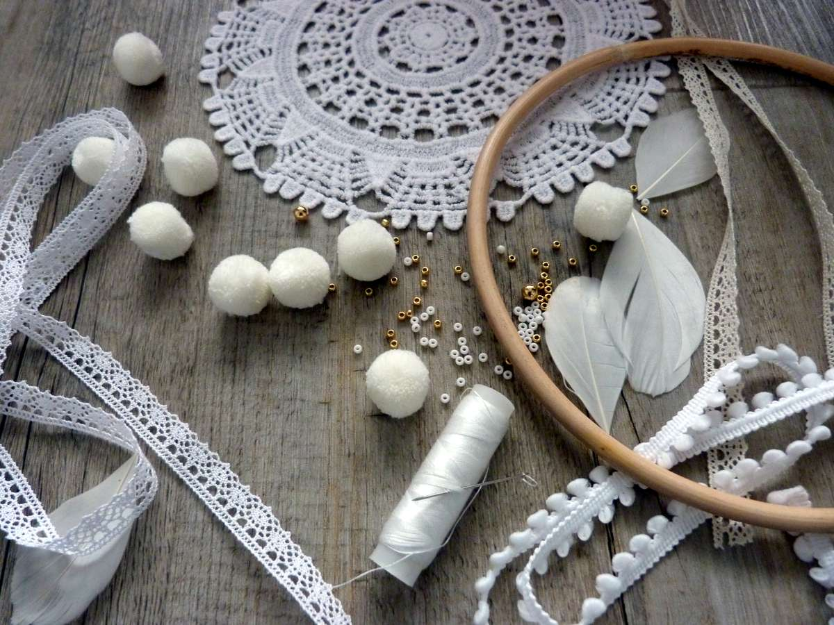 DIY-deco-make-collettore sogni-dream-catcher-semplici-materiale