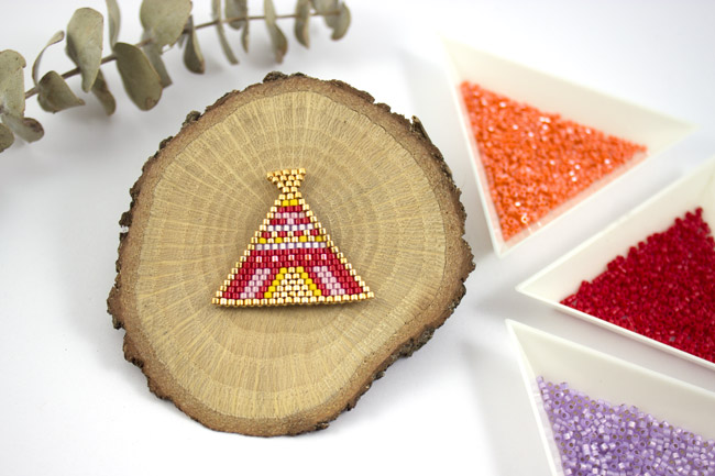Tipi brick stitch rouge