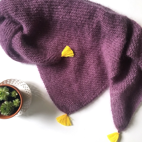 raccolto negozio online check-out Fai da te a maglia - scialle di lana alla moda con nappe ...